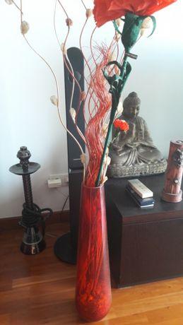 Jarra vermelha decorativa