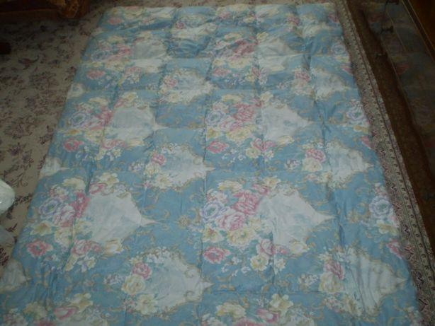 Продам одеяло из натурального пуха.(155*215)