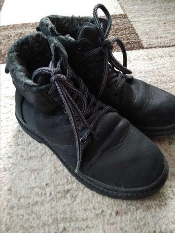 Зимове взуття черевики,чобітки