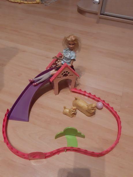 Barbie która klaszcze + park szczeniaków