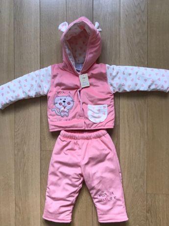 Новый демисезонный костюм на девочку 1-1,5 года.