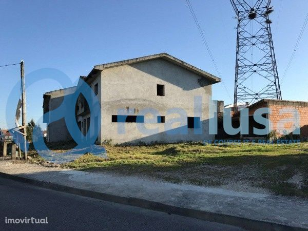 5 Moradias Inacabadas+ Terreno em Eixo e Eirol, Aveiro, Excelentes con