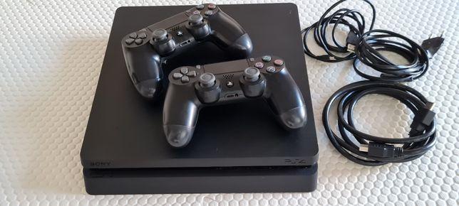 PS4 de 1T com 2 comandos