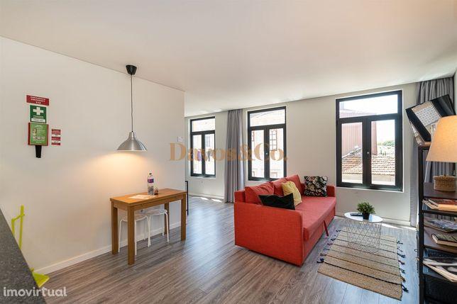 Prédio com 4 apartamentos T1 - Cais de Gaia