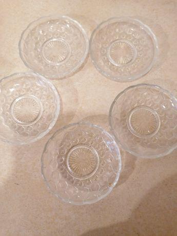 Talerzyki deserowe szklane