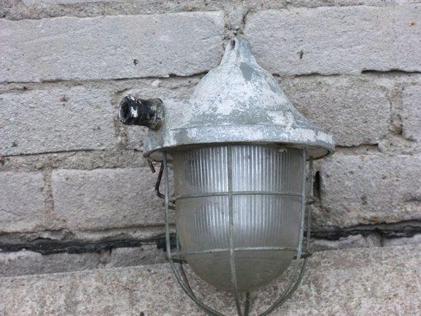 Lampa kanałowa okres PRL