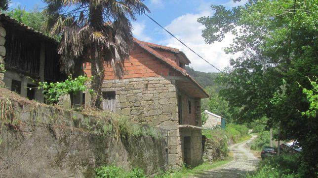 moradia T4 à beira rio em Cerva, Ribeira de Pena
