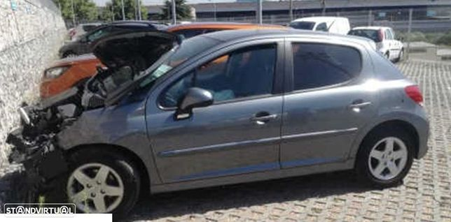 Peugeot 207 1.4 HDI SE Sportium de 2010 disponível para peças