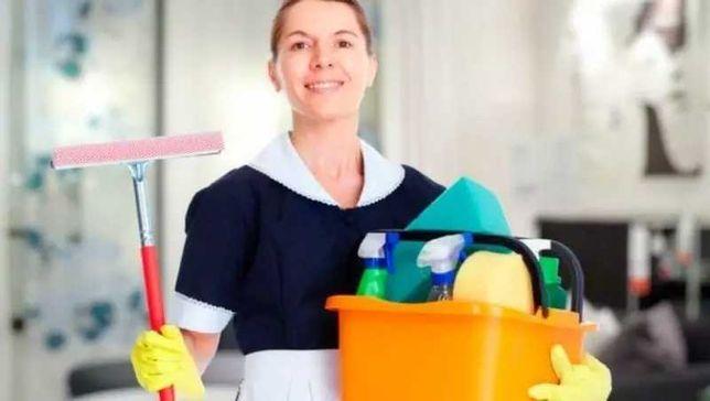 Limpeza de espaços,cuidado de idosos e crianças.