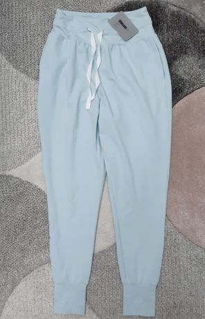 Nowe spodnie dresowe joggery gymshark