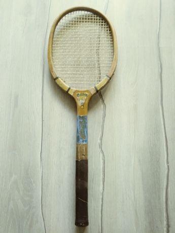 Sprzedam starą paletkę tenisową firmy Meteor