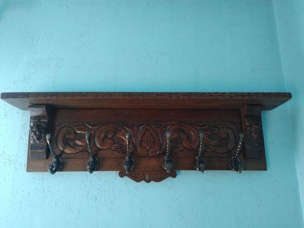 Drewniany wieszak rzeźbiony lub Zamienię