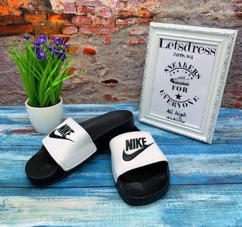 Женские шлепанцы Nike Slippers Найк сланцы шлепки черные с белым