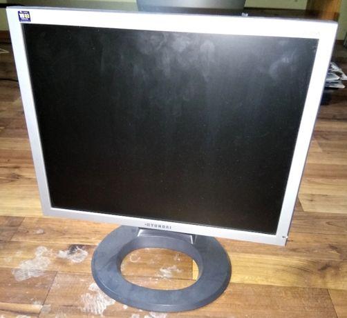 Monitor LCD Hyundai B70A
