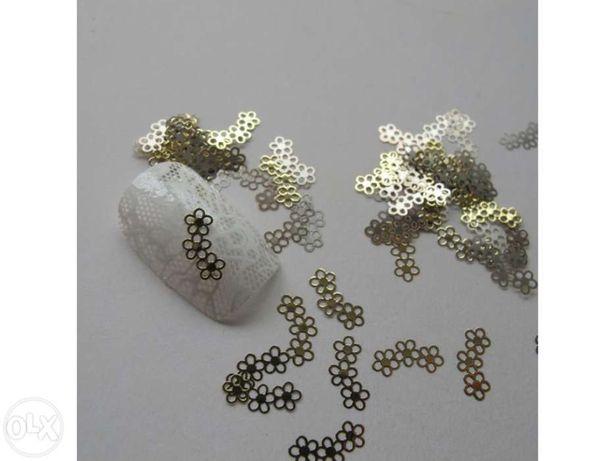 Padrões dourados decoração unhas nail art