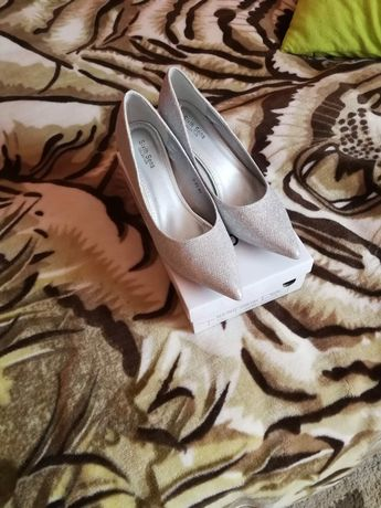 Suknia Ślubna kremowa model Ulryka