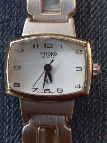 Relógio Miyoko quartz a funcionar