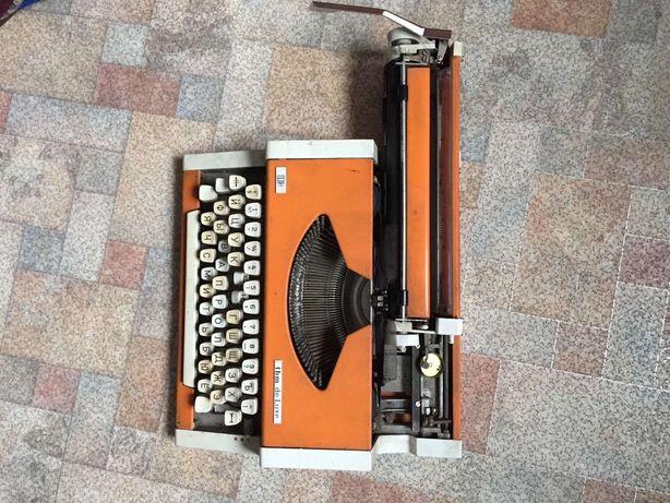 Печатная машинка UNIS tbm de Luxe 4000рублей