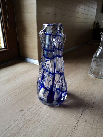 Wazon szklany sękaty z niebieskimi malunkami PRL