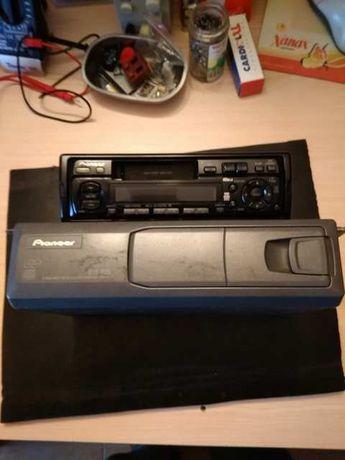 AutoRadio Pioneer com caixa de CD
