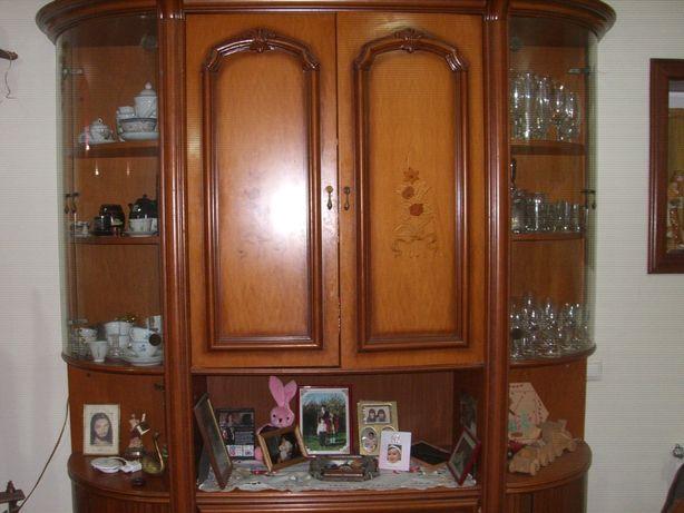 Vendo estante em madeira cereijeira