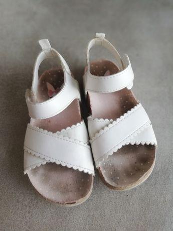 Sandałki  H&M 25 białe