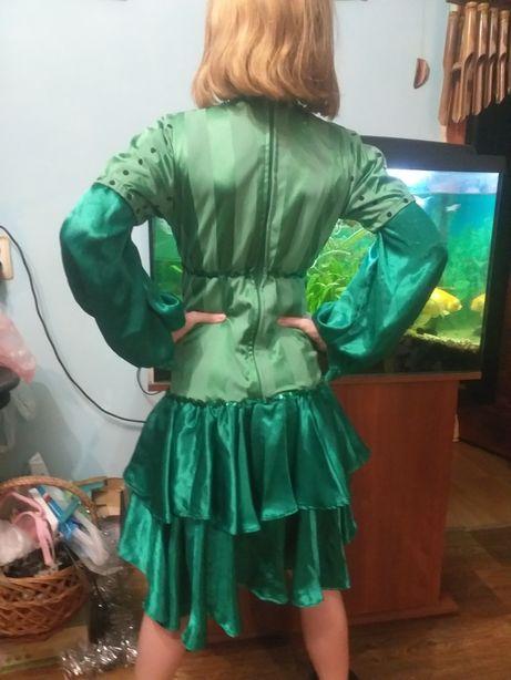 Продаю карнавальное платье на девочку