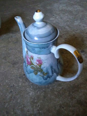 Dzbanek do herbaty.