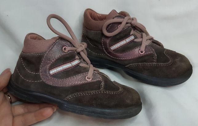 Демисезонные замшевые ботинки на девочку