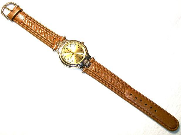 """Часы наручные, кварцевые, женские """"OMAX"""". Производство - Япония."""