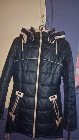Курточка зимняя женская