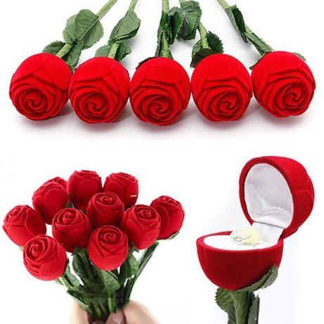 Pudełko róża na pierścionek zaręczyny
