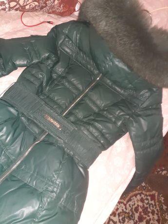 Зимнее пальто до колена с настоящим мехом. Состояние ИДЕАЛЬНОЕ