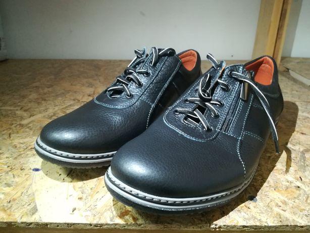 Шкіряні туфлі чоловічі