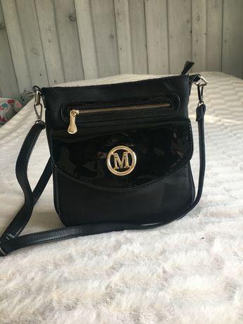Czarna torebka stan bardzo dobry!!