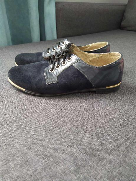 Шкіряні туфлі в хорошому стані 36 р.