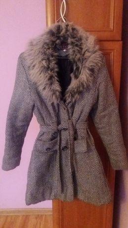 Płaszcz zimowy ocieplany z futerkiem