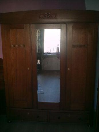 vintage - solidna drewniana szafa trzydrzwiona z szufladami i lustrem.