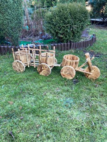 rower z wozem z drewna