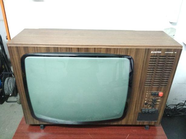 Klasyk Telewizor UNITRA Antares 12