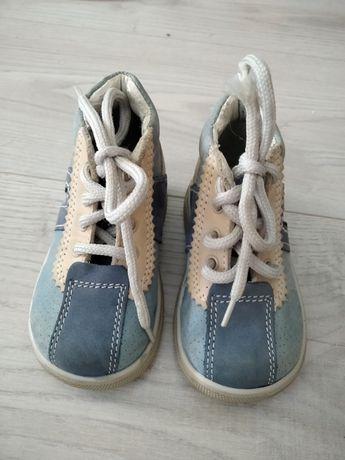 Buty chłopięce rozmiar 20 (12-12,5cm)