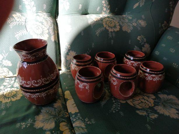 Cerâmica jarro e canecas