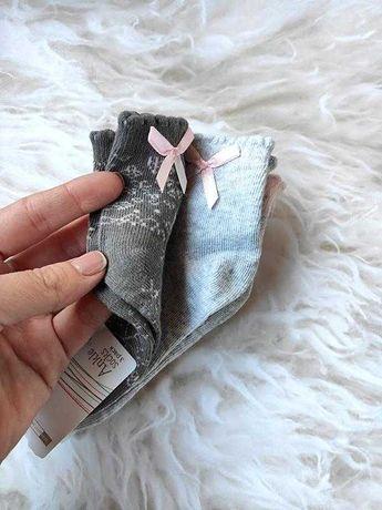 Красивый набор носочков с бантами,3 пары.польша.высокое качество!
