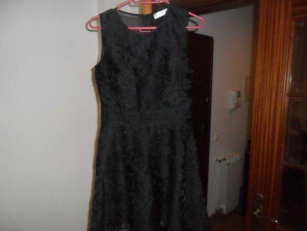Vestido rendado tamanho M
