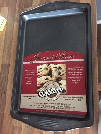 Duża blacha do pieczenia firmy Wilton