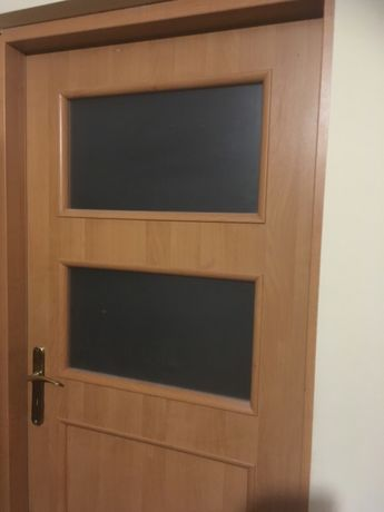 Sprzedam drzwi z futryną