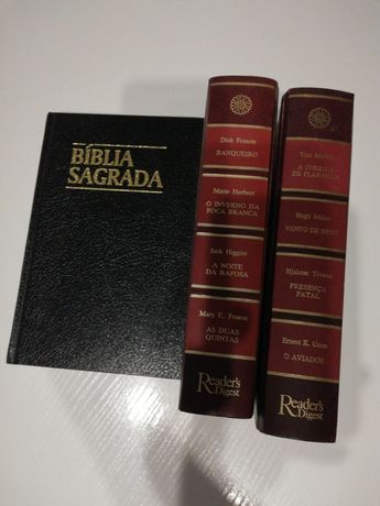 Conjunto 3 livros bíblia sagrada e dois de readers digest
