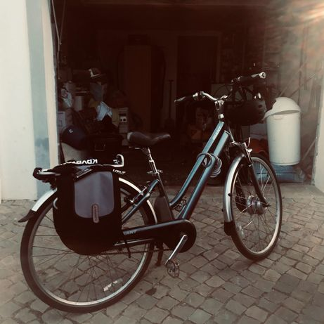 Bicicleta elétrica Giant óptimo estado , baterias longa duração
