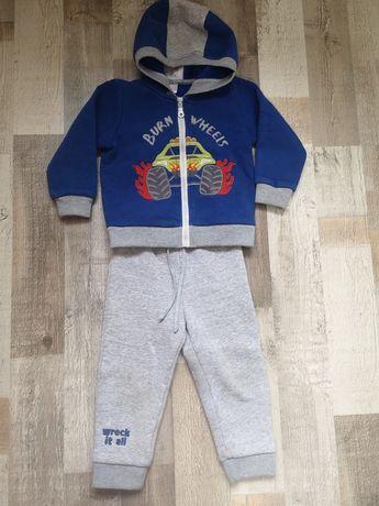 Тёплый спортивный костюм для мальчика, 92 размер