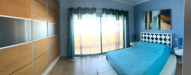Excelente T2 Duplex Mobilado c/garagem
